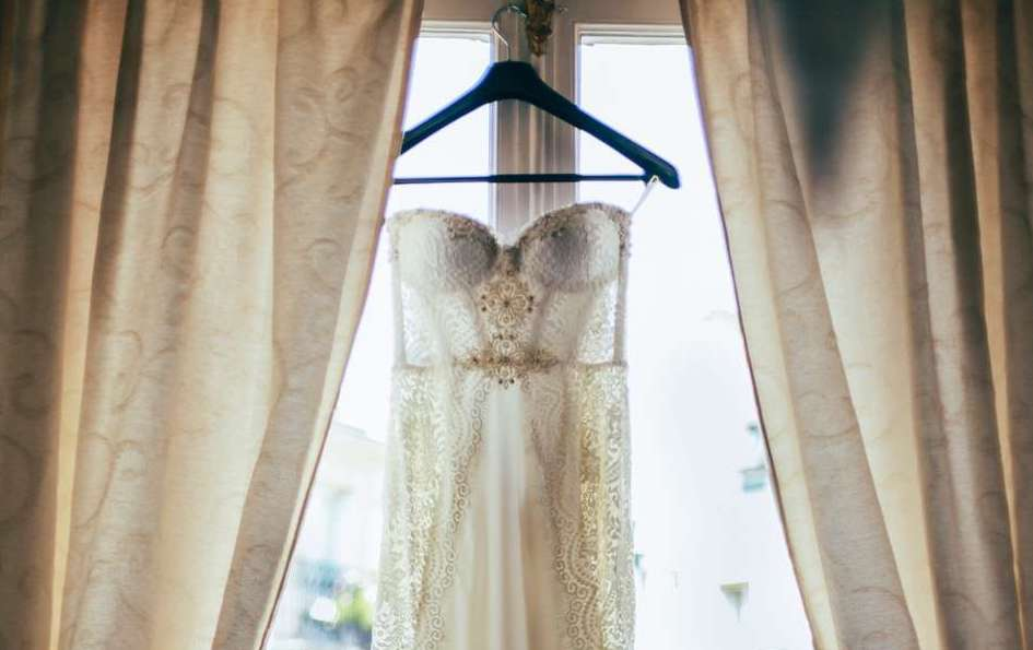 Wedding Dress Timeline: Monthly To-Dos to Perfect Your Bridal Look